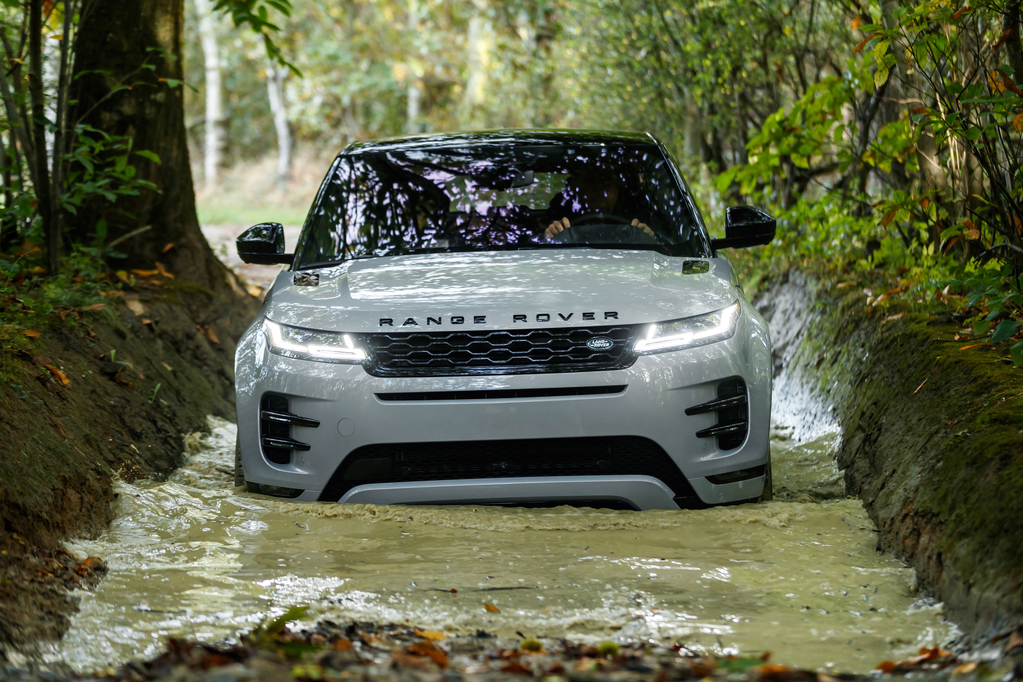 Range Rover Evoque – 7 highlights on the latest iteration of the baby Range Rover.