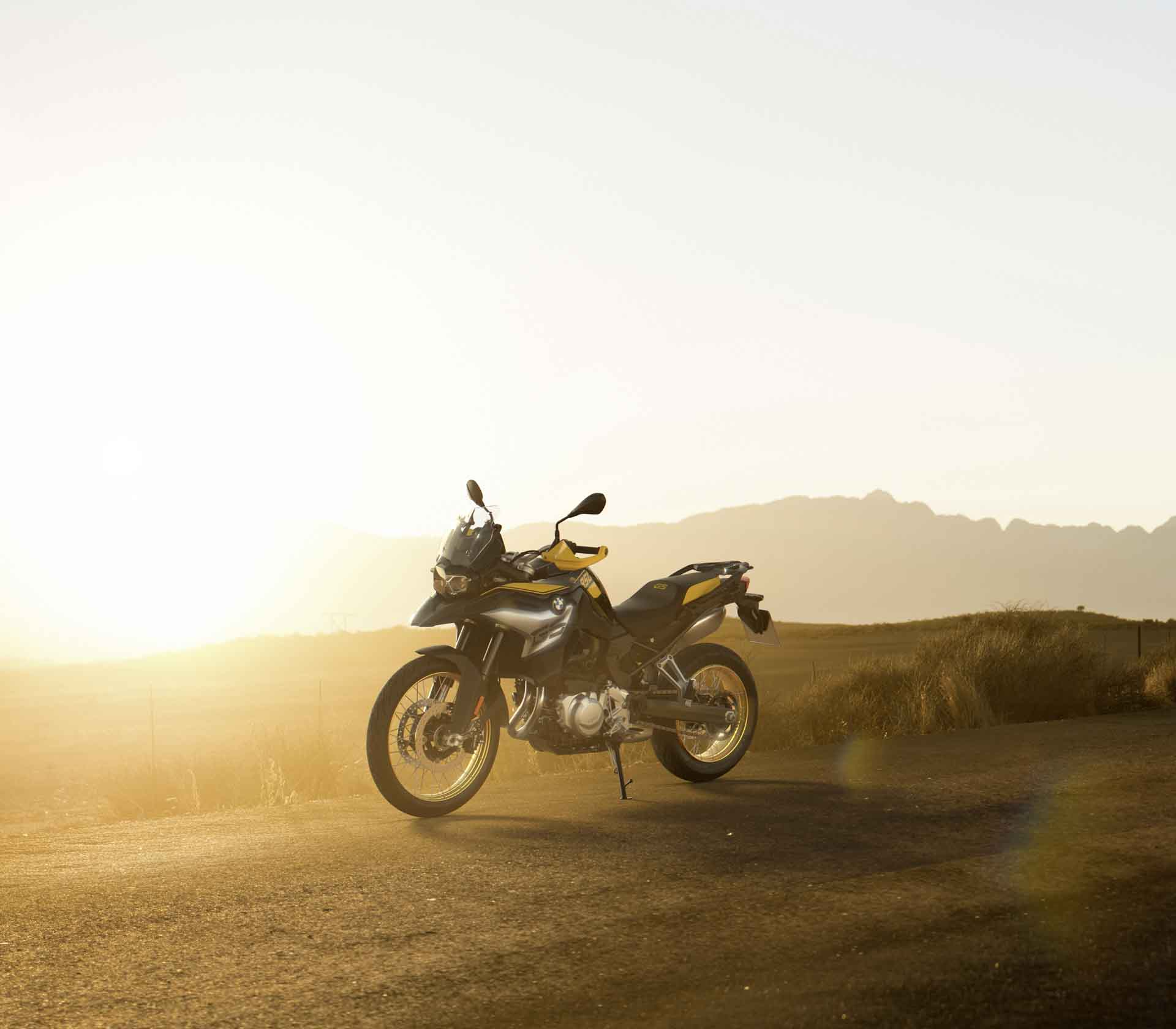 """BMW F850 GS """"40 Years Edition"""" : The most iconic adventure motorcycle brand celebrates its birthday with a special edition!"""
